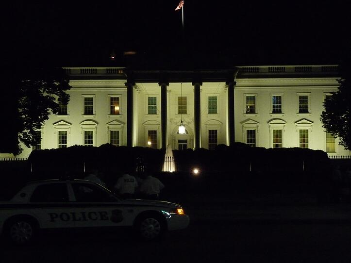 White_House_at_Night_by_dontdothisathome.jpg